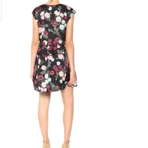 #118❤ Kensie rose bouquet sheath dress -size small